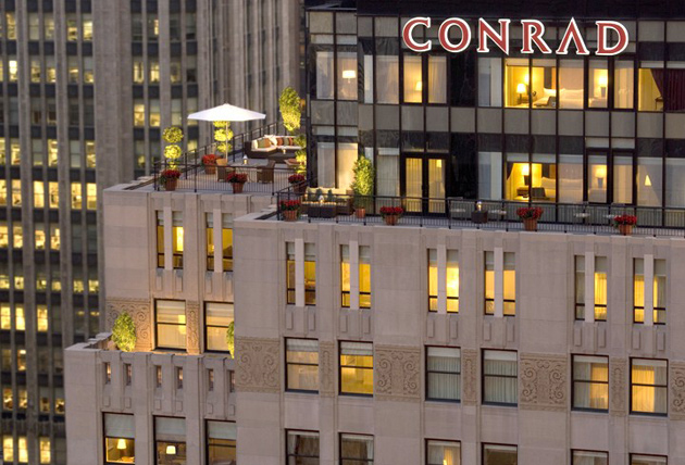 Conrad-Chicago_Exterior