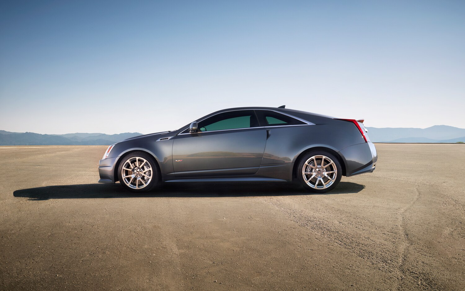 2011 Cadillac CTS-V Coupe - Side