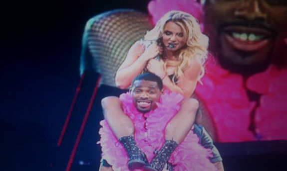 Britney Spears Brings Titans WR Kenny Britt On Stage During Nashville show