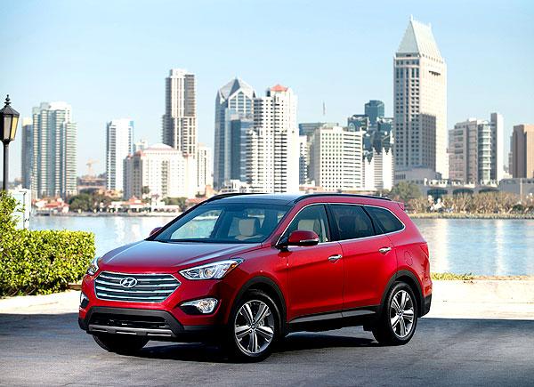 2013-Hyundai-SantaFe_front_main