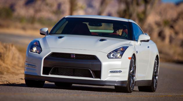 2014-Nissan-GT-R-Premium