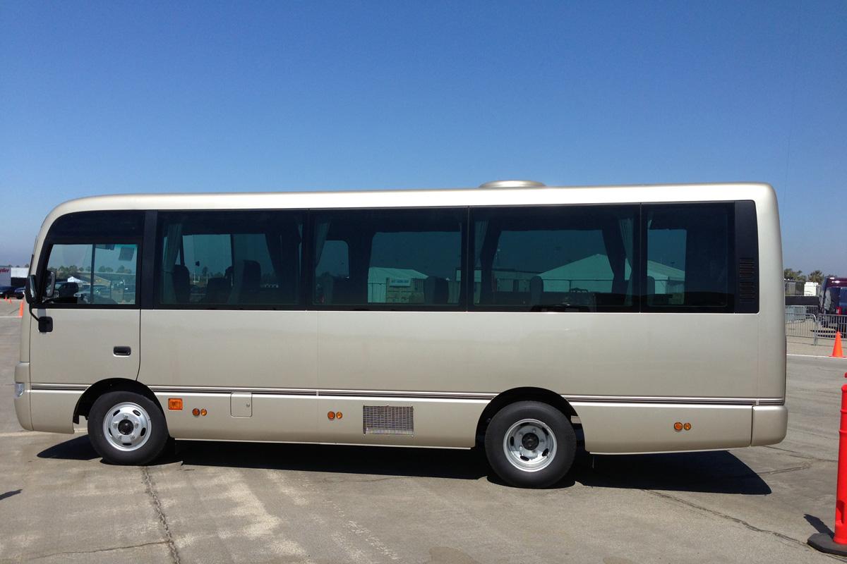 Nissan 360 - Bus