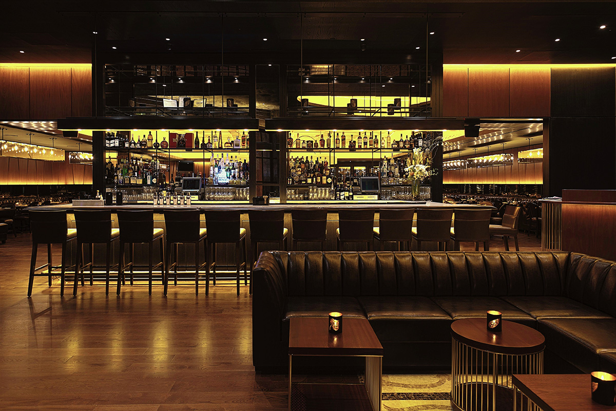 Roberts Steakhouse - The Lounge