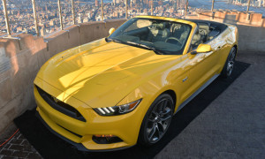 2015 Ford Mustang Convertible On Display 1000 Feet Above Manhattan