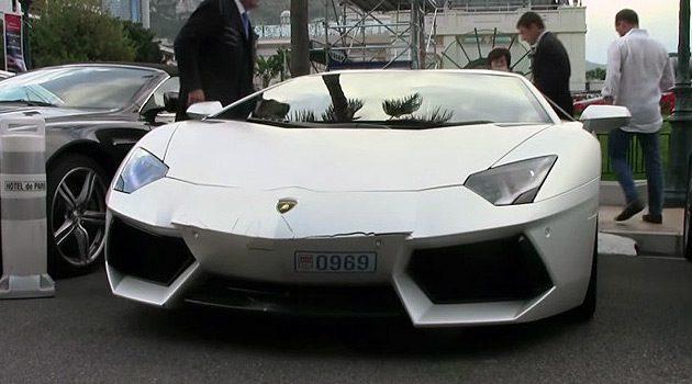 Valet Crashes Lamborghini Aventador!
