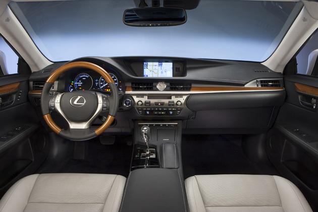 2014-Lexus-ES-300h-4