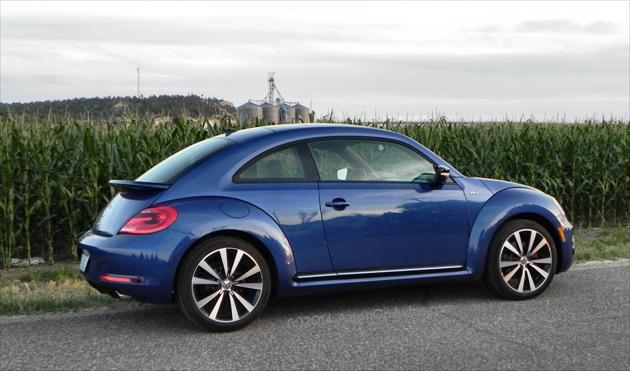 2014-Volkswagen-Beetle-R-Line-2