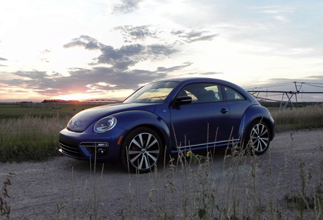 2014-Volkswagen-Beetle-R-Line-4