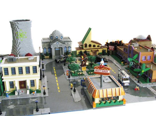 TheSimpsons-LEGO-4