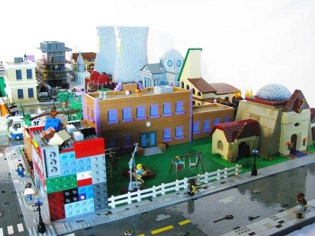 TheSimpsons-LEGO-5