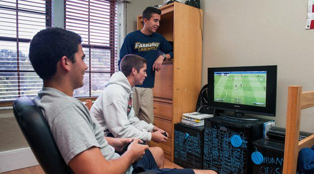 Setting Up Your New College Dorm Room