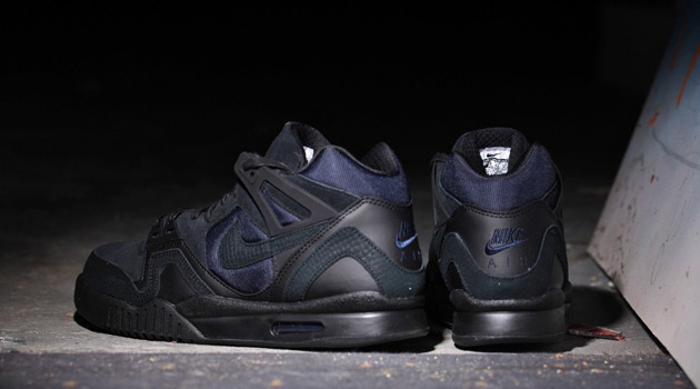Nike-Air-Tech-Challenge-II-Black-Obsidian-2