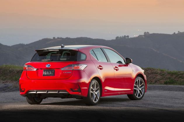 2014-Lexus-CT200h-2