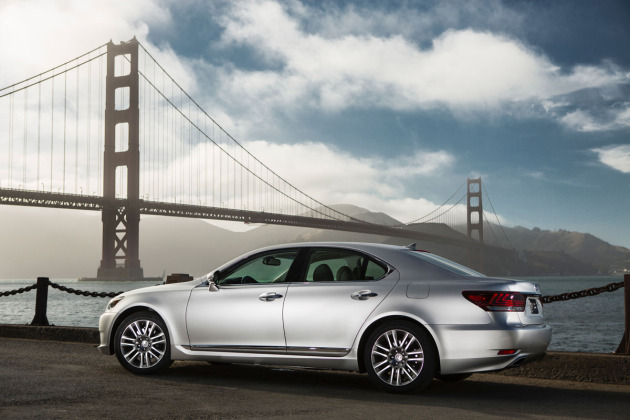 2014-Lexus-LS-460-2