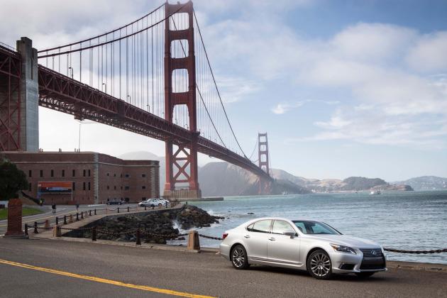 2014-Lexus-LS-460-3