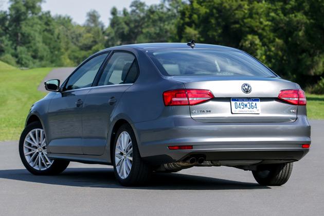 2015-VW-Jetta-2