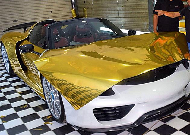 Gold-Porsche-918-Spyder-10