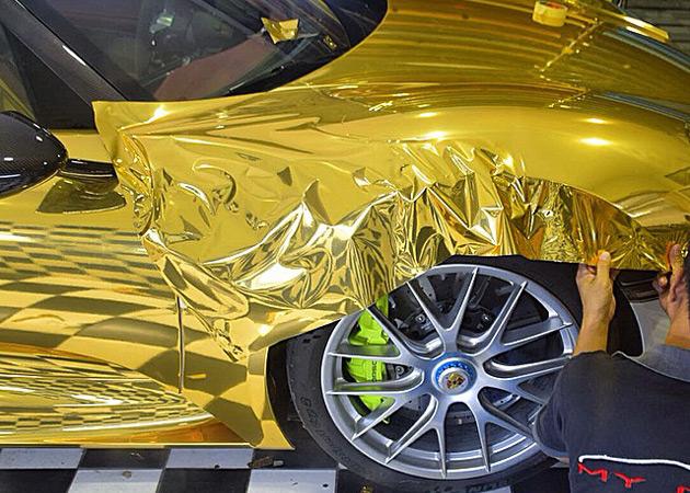 Gold-Porsche-918-Spyder-12
