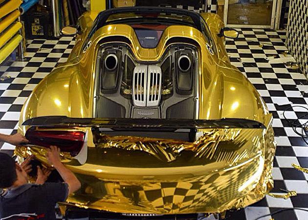 Gold-Porsche-918-Spyder-13