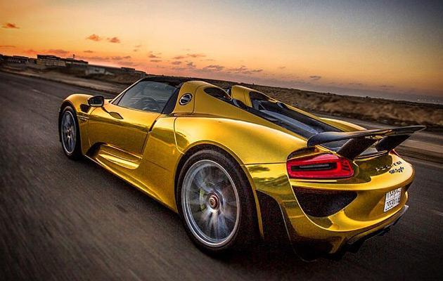 Gold-Porsche-918-Spyder-2