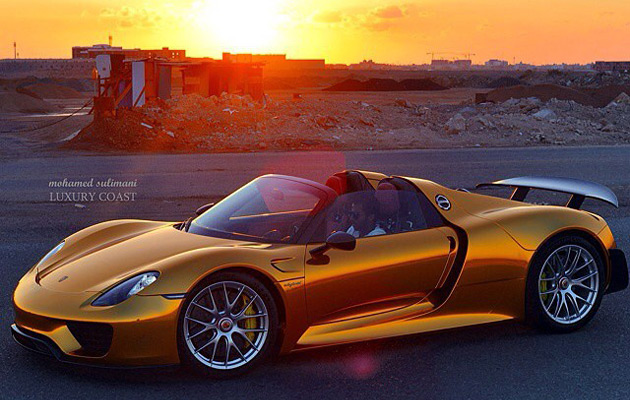 Gold-Porsche-918-Spyder-3