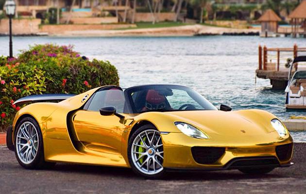 Gold-Porsche-918-Spyder-4