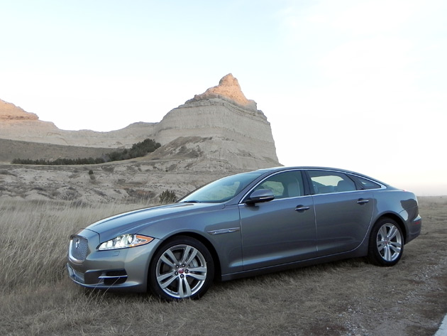 2015 jaguar xjl is out of place but at home. Black Bedroom Furniture Sets. Home Design Ideas