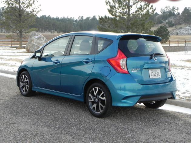 2015-Nissan-Versa-Note-2