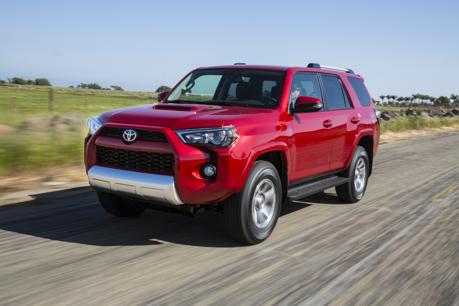 2015 Toyota 4runner Trail Is The Perfect Tailgating Truck