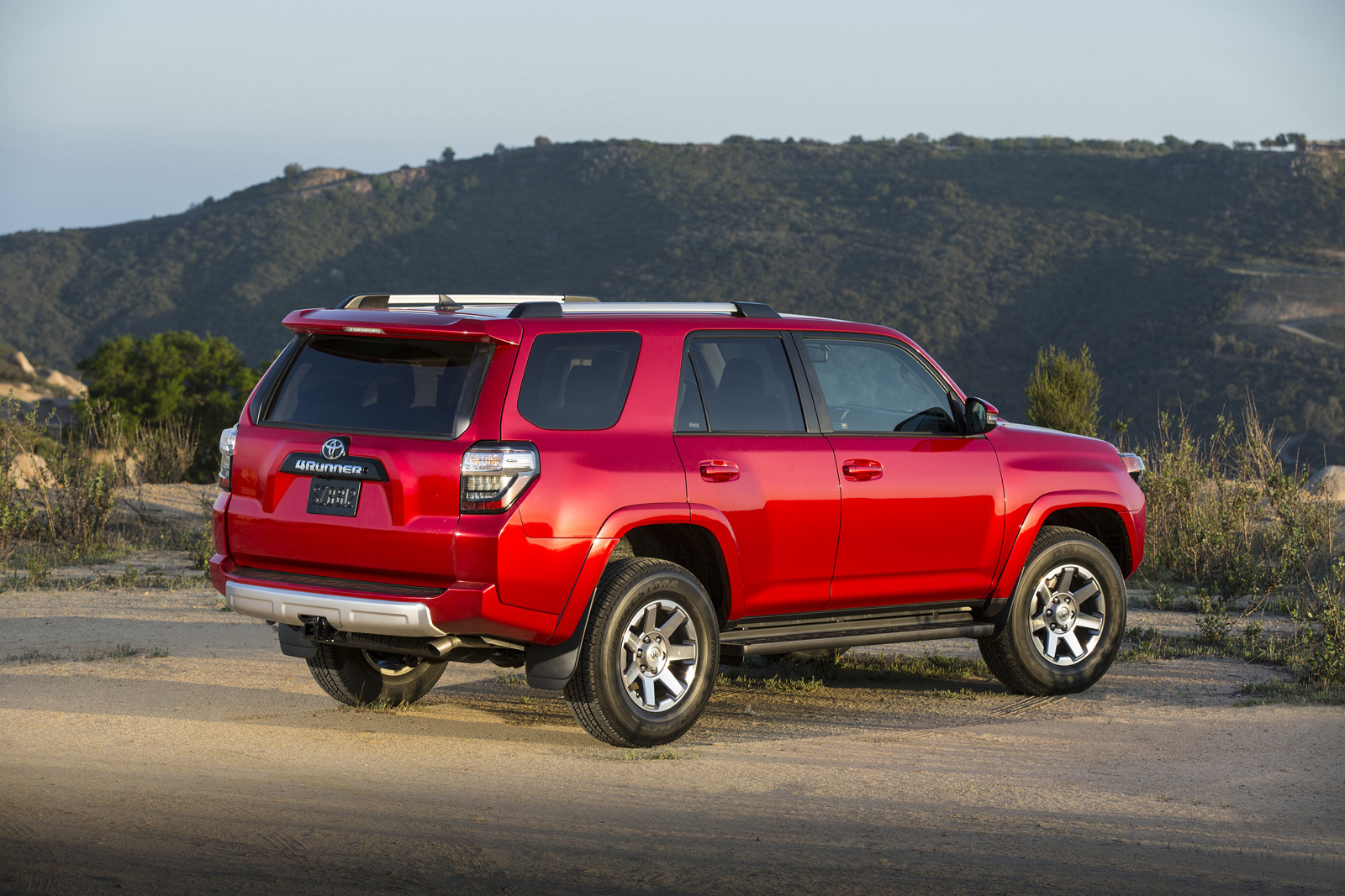 2015 toyota 4runner trail is the perfect tailgating truck. Black Bedroom Furniture Sets. Home Design Ideas