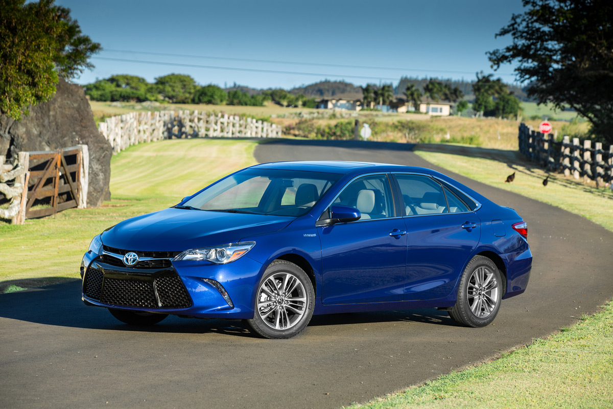 2015 toyota camry hybrid is all new still efficient. Black Bedroom Furniture Sets. Home Design Ideas