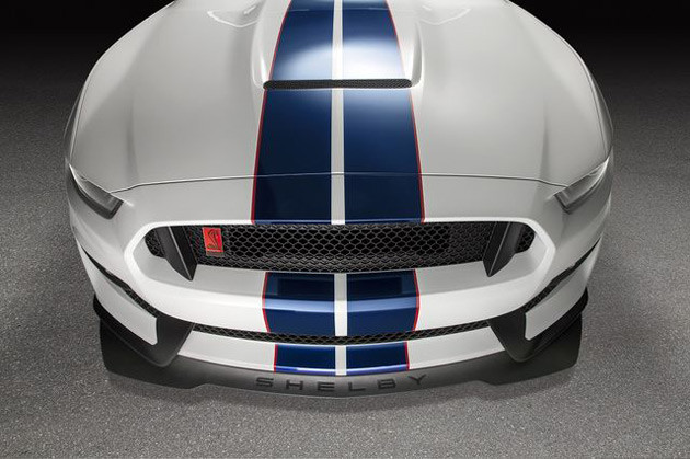 Ford-GT350R_1