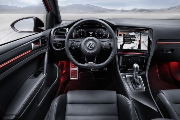 Volkswagen-Golf-R-Touch-2