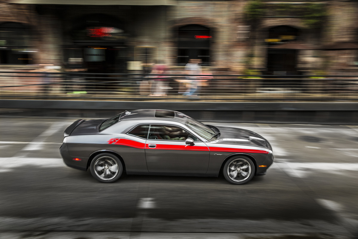 2015 dodge challenger r t is a muscular cruiser. Black Bedroom Furniture Sets. Home Design Ideas