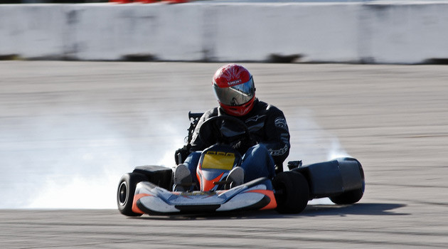 This Guy Put A Freaking Honda CBR 900RR Engine Into A Go Kart!