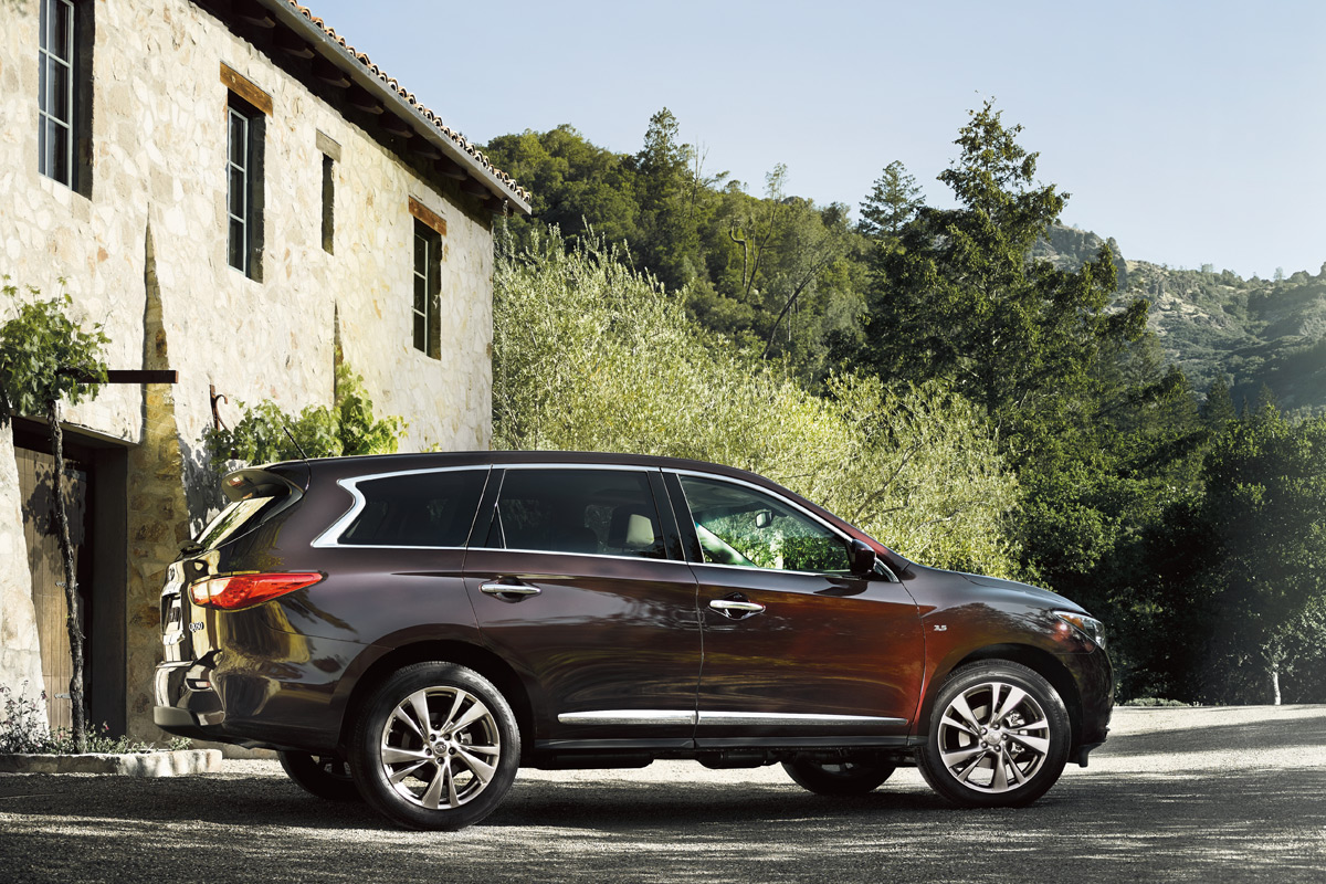 2015 infiniti qx60 is luxurious capable and posh. Black Bedroom Furniture Sets. Home Design Ideas