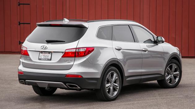 2015-Hyundai-Santa-Fe-2