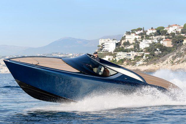 2016-Aston-Martin-AM37-Yacht-1