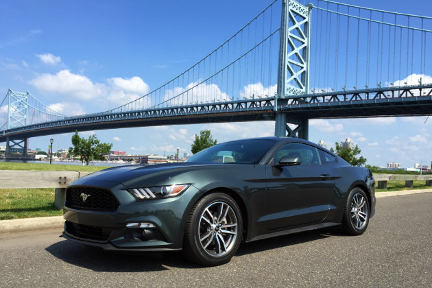 2015-Ford-Mustang-EcoBoost-1