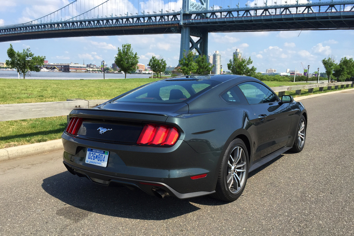 review 2015 ford mustang 2 3l ecoboost. Black Bedroom Furniture Sets. Home Design Ideas