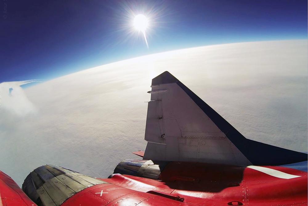 Edge Of Space - MiGFlug
