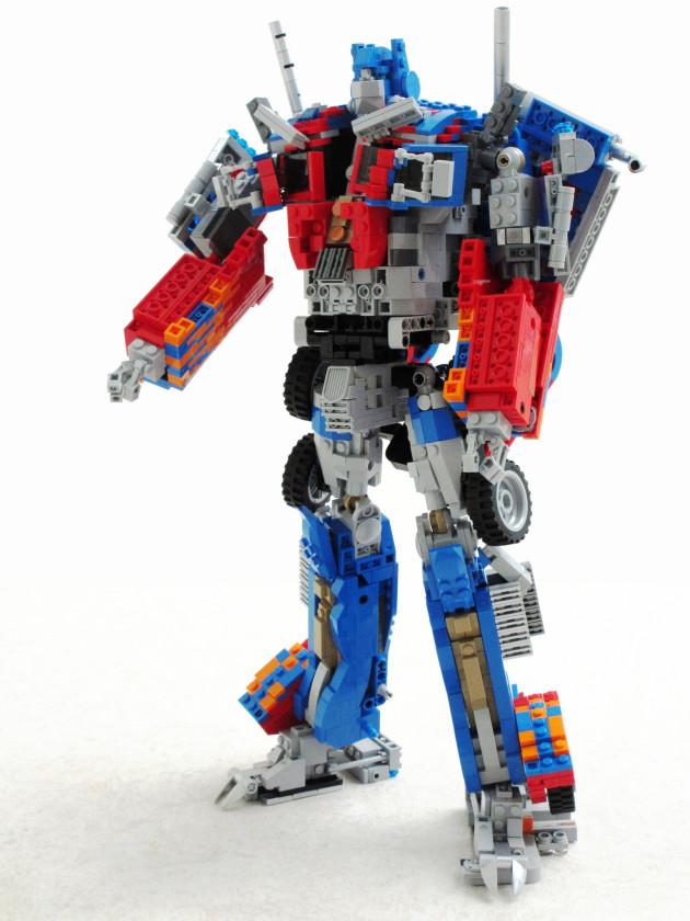 LEGO-Optimus-Prime-2