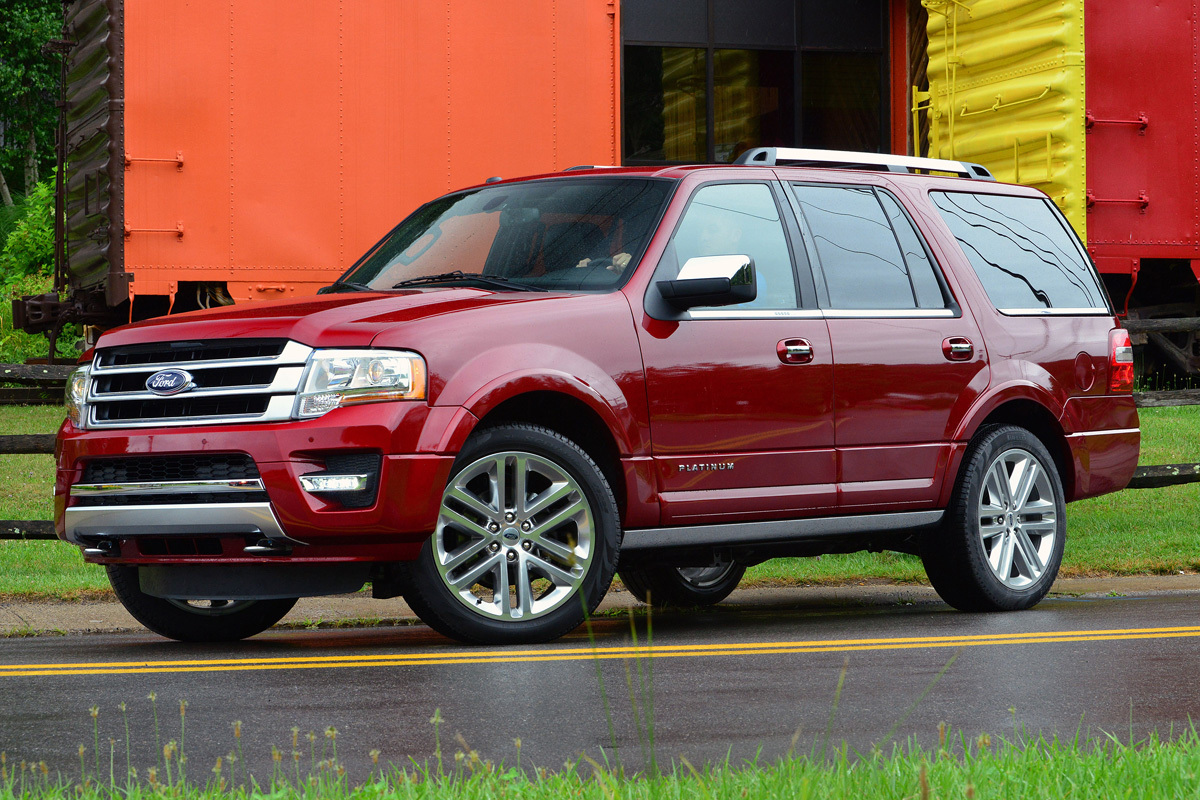 2015 ford expedition is big roomy beefy. Black Bedroom Furniture Sets. Home Design Ideas