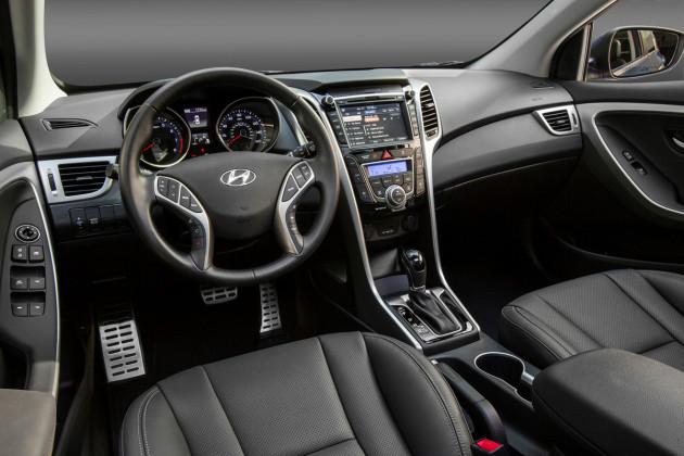 2016-Hyundai-Elantra-GT-4