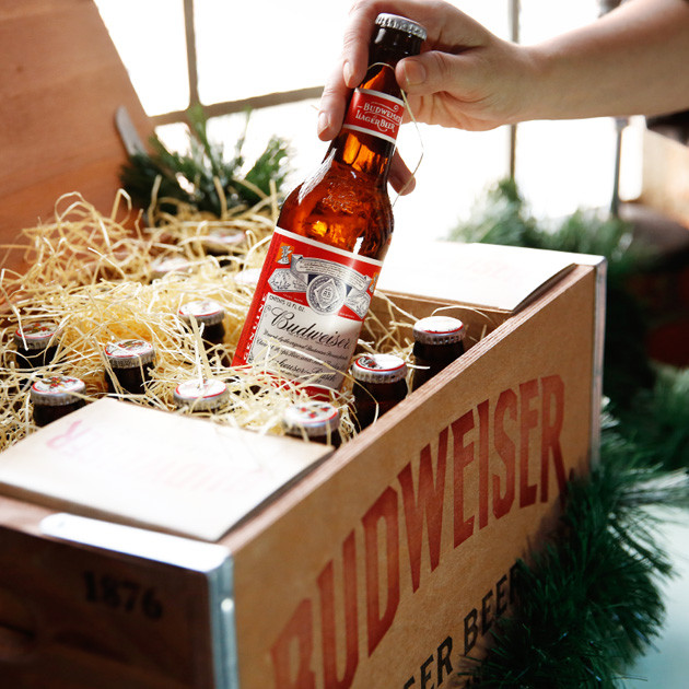 Budweiser-Holiday-Crate-3