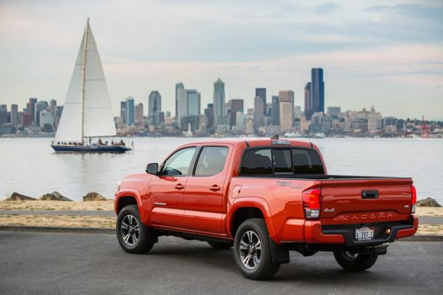 2016-Toyota-Tacoma-TRD-Sport-2