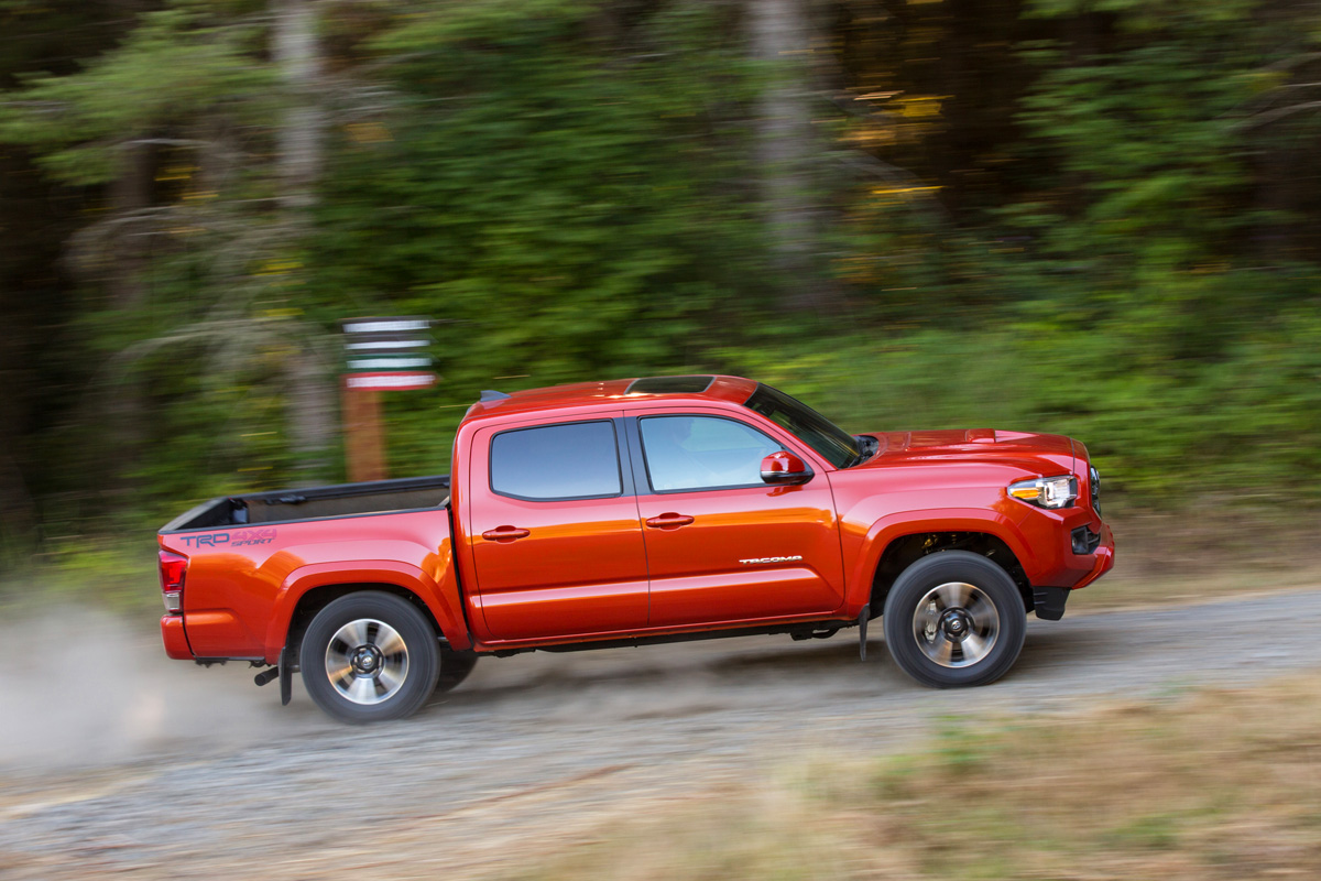 review 2016 toyota tacoma trd sport. Black Bedroom Furniture Sets. Home Design Ideas