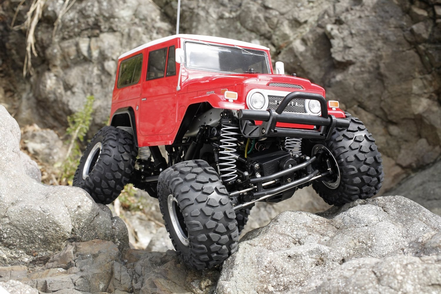 best rc trucks for kids with Check Out This Rc Toyota Land Cruiser 40 on ments also Helicopter Toy Remote Control 2015 additionally 123637419 also Axial Yeti Rock Racer Kit 3 Copy together with Check Out This Rc Toyota Land Cruiser 40.