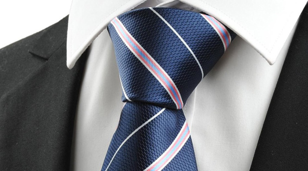 Here's A Quick And Easy Way To Tie A Tie