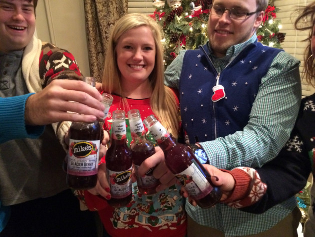 ugly-sweater-party-3